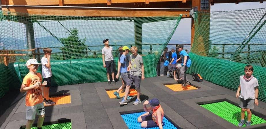 zestaw trampolin ziemnych. trampoliny ziemne.